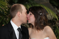 Hochzeitsfoto-Shooting mit Katja und Lincoln Cushman auf dem Gelaende der University of Western Ontario, London; Ivey Haus
