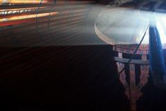 Mittäglicher Lichteinfall durch die Öffnung im Dach eines Gers (Jurte, mongolisches Filzzelt), anhand dessen die Uhrzeit bestimmt werden kann.